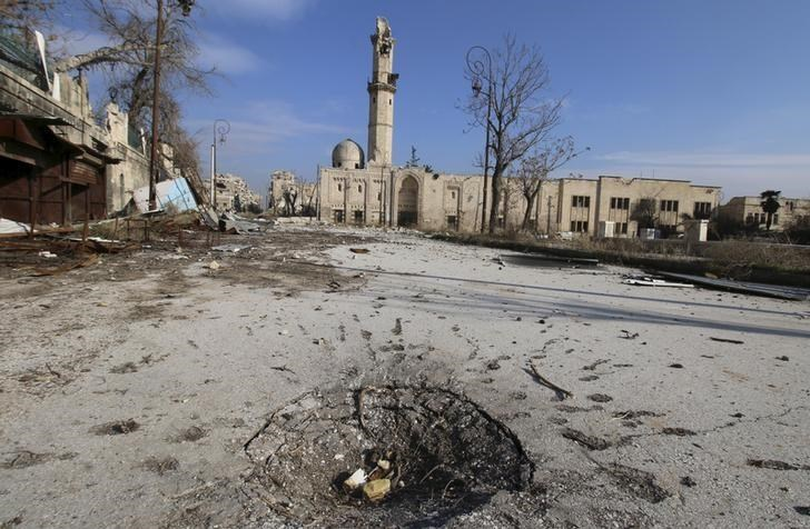 A general view shows the damage at the ancient al-Atroush mosque in the old city of Aleppo, Syria January 28, 2016.