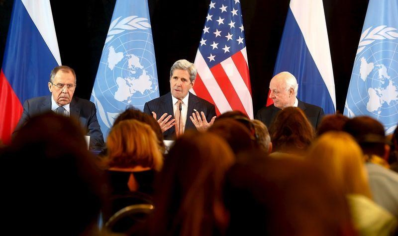 Russian Foreign Minister Sergei Lavrov, U.S. Secretary of State John Kerry and UN Special Envoy for Syria, Staffan de Mistura (L-R) attend a news conference in Munich, Germany, February 12, 2016.