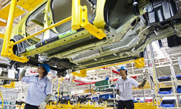 Thai economy expands more than forecast on government stimulus