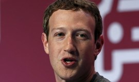 Facebook's Zuckerberg both woos and lashes out at phone industry