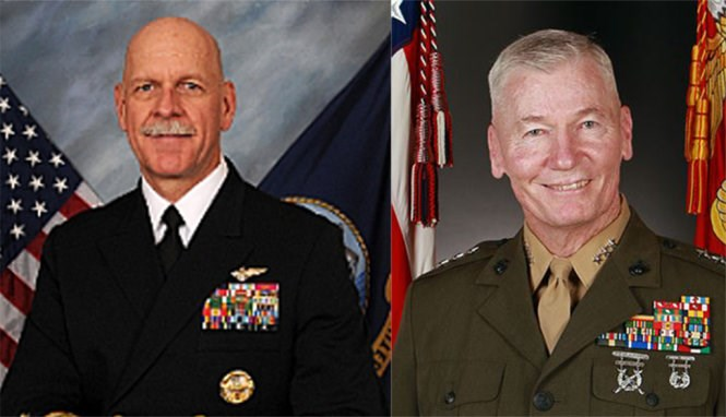 Commander of the US Pacific Fleet Admiral Scott H. Swift (L) and Commander of the US Marine Corps Forces Pacific Lieutenant General John A. Toolan
