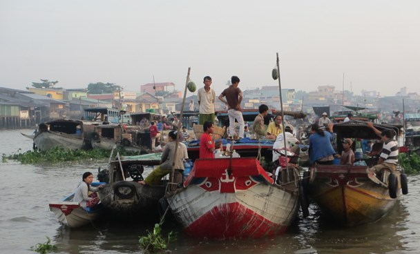 Floating market in Vietnam's Mekong Delta. Photo: Hoang Duong