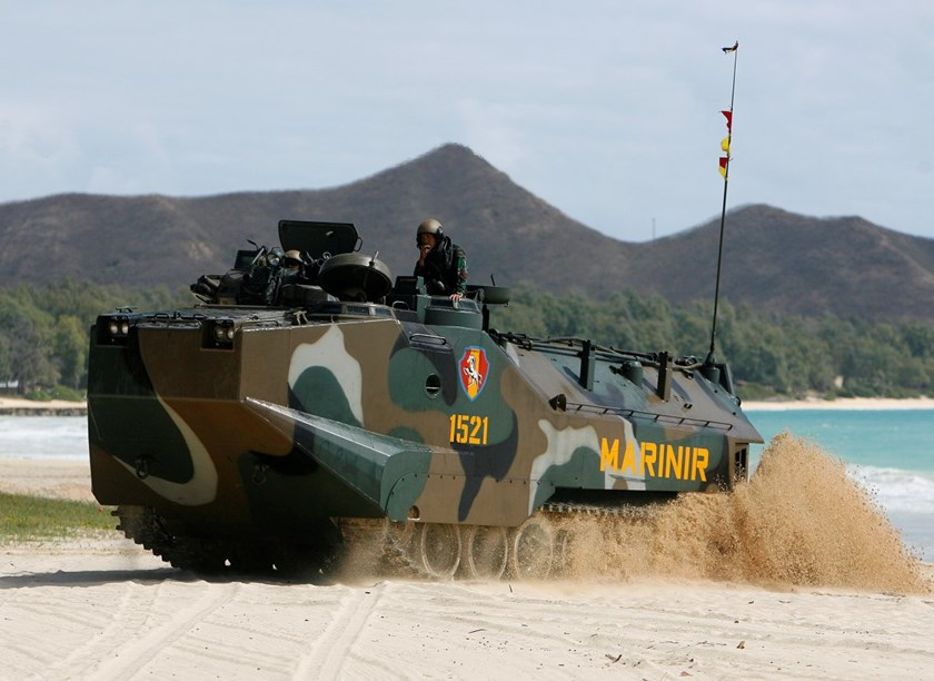 Indonesian Marines practiced amphibious assaults