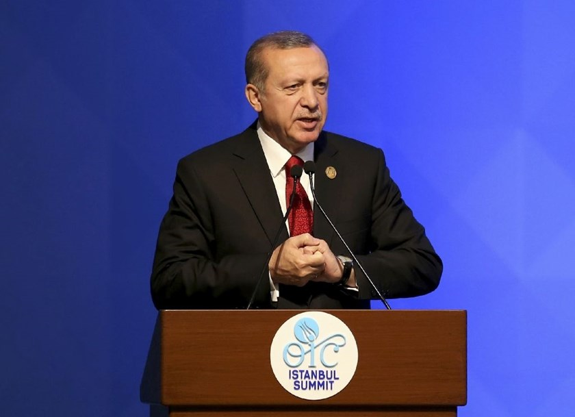 Turkish President Recep Tayyip Erdogan delivers a speech during the 13th Organization of Islamic Cooperation Summit on April 14, 2016 in Istanbul