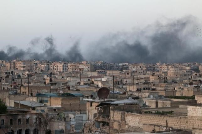 Smoke rises after airstrikes on the rebel-held al-Sakhour neighborhood of Aleppo, Syria April 29, 2016.