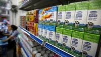 Vinamilk products are displayed for sale at a Vinamilk shop in Hanoi, Vietnam May 16, 2016.