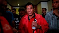 Philippines' Duterte to begin work at 1 p.m., commute to Manila