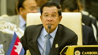 Cambodian PM denies role in Asean U-turn on South China Sea