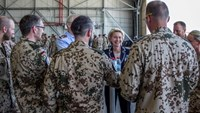 German Defence Minister Ursula von der Leyen talks to Counter DAESH contingent members at Incirlik airbase in the southern city of Adana, Turkey, July 1, 2016.