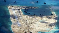 China's ​illegal construction on Vietnam's Fiery Cross Reef in the Truong Sa (Spratly) archipelago. Photo: VNA/DPA
