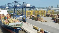 Vietnam posts $17mn trade deficit in June: customs