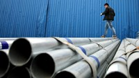 China said to mull mergers to create two state steel giants