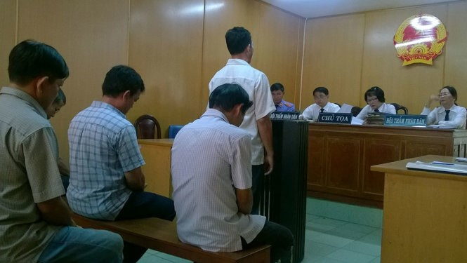 Seven men were tried for stealing and trading jet fuel in Ho Chi Minh Tuesday