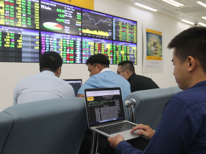 SE Asia stocks: Rise as oil prices extend gains; Vietnam outperforms