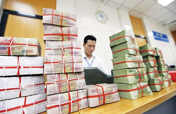 Vietnam banks' bad debts dip to 2.58 pct of loans in June: central bank