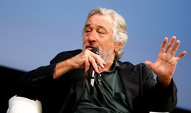 Donald Trump is 'totally nuts,' says Robert de Niro