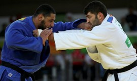 Egyptian judoka sent home over handshake refusal with Israeli