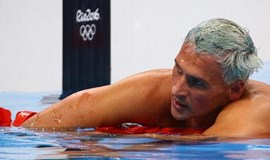 Judge orders U.S. swimmer Lochte, teammate not to leave Brazil