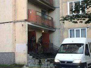 Members of Russian special forces are seen near a residential house where four suspected members of a militant group in Russia's volatile North Caucasus region were killed in a counter-terrorism operation, in St. Petersburg, Russia, August 17, 2016.