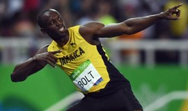 Peerless Bolt powers to 200m gold