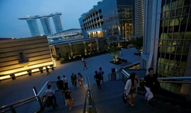 High wages flash recession warnings in Singapore
