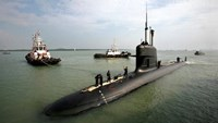 File photo of Malaysia's first submarine, 'KD Tunku Abdul Rahman', a Scorpene-class diesel-electric submarine, docks in Port Klang outside Kuala Lumpur September 3, 2009.