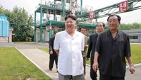 North Korean leader Kim Jong Un visits the Sunchon Chemical Complex in this undated photo released by North Korea's Korean Central News Agency (KCNA) in Pyongyang on August 13, 2016.