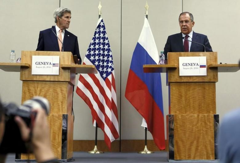 U.S. Secretary of State John Kerry (L) and Russian Foreign Minister Sergei Lavrov attend a news conference after a meeting on Syria in Geneva, Switzerland, August 26, 2016.