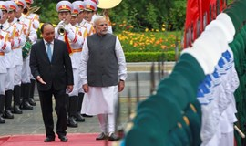 India PM offers Vietnam $500 million credit line for defense cooperation