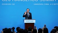 U.N. Secretary General, Ban Ki-moon waves during a press conference ahead of G20 Summit in Hangzhou, Zhejiang province, China, September 4, 2016. China Daily/via REUTERS