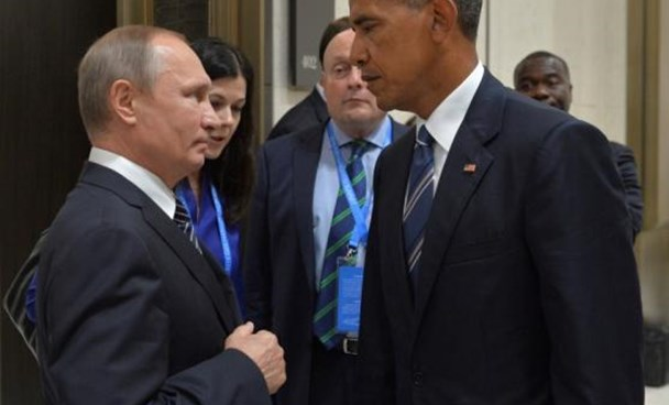 Russian President Vladimir Putin (L) meets with U.S. President Barack Obama on the sidelines of the G20 Summit in Hangzhou, China, September 5, 2016.