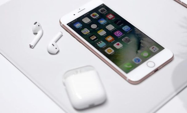 The Apple iPhone7 and AirPods are displayed during an Apple media event in San Francisco, California, U.S. September 7, 2016.