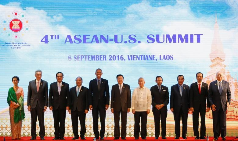 (L to R) Myanmar's State Counsellor Aung San Suu Kyi, Singapore's Prime Minister Lee Hsien Loong, Thailand's Prime Minister Prayuth Chano-cha, Vietnam's Prime Minister Nguyen Xuan Phuc, U.S President Barack Obama, Laos Prime Minister Thongloun Sisoulith, Philippines Foreign Minister Perfecto Yasay, Brunei's Sultan Hassanal Bolkiah, Cambodia's Prime Minister Hun Sen, Indonesia's President Joko Widodo and Malaysian Prime Minister Najib Abdul Razak pose for photo during ASEAN-U.S. Summit in Vientia