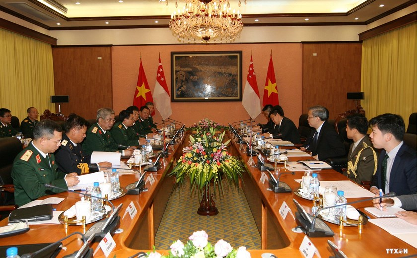 Vietnamese and Singaporean delegates attend the Vietnam – Singapore defense policy dialogue in Hanoi on July 22. Photo credit: VNA