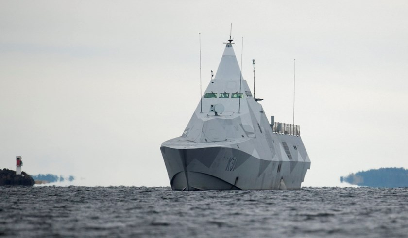 "The Swedish corvette HMS Visby is seen in the search for suspected ""foreign underwater activity"" at Mysingen Bay, Stockholm October 21, 2014. Photo credit: Reuters/Fredrik Sandberg/TT News Agency"
