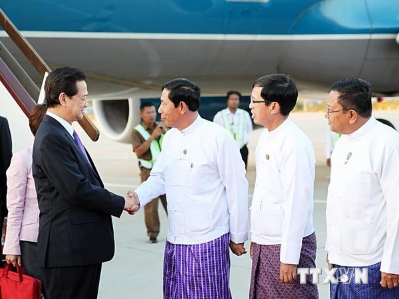 PM Nguyen Tan Dung arrived in Nay Pyi Taw, Myanmar on the afternoon of November 11, 2014. Photo: VNA