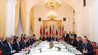 Delegations of U.S. Secretary of State John Kerry, Britain's Foreign Secretary Philip Hammond, Russian Foreign Minister Sergei Lavrov, Iranian Foreign Minister Javad Zarif, German Foreign Minister Frank-Walter Steinmeier, French Foreign Minister Laurent F
