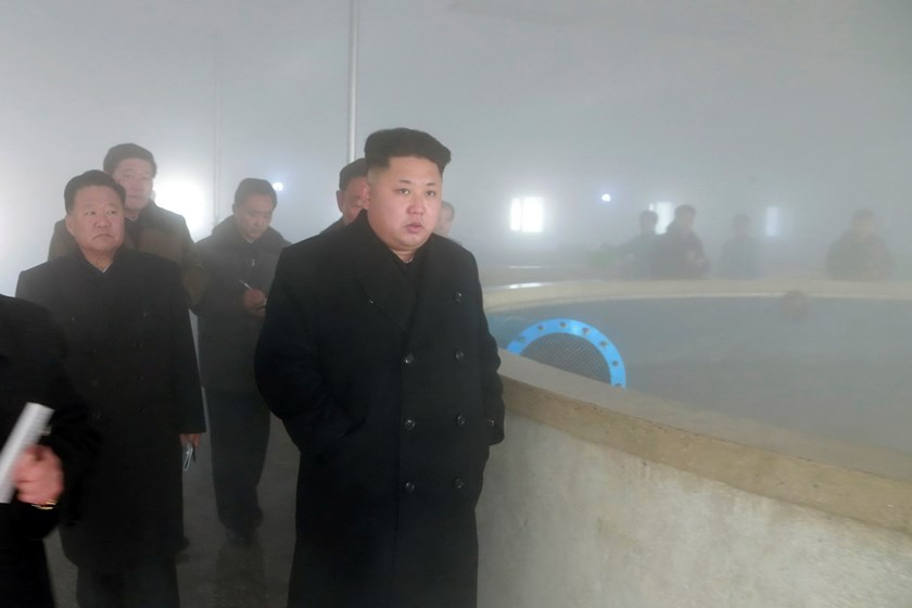 North Korean leader Kim Jong Un gives field guidance during a visit to the Pyongyang Catfish Farm in this undated photo released by North Korea's Korean Central News Agency (KCNA) in Pyongyang December 23, 2014. Photo: Reuters/KCNA