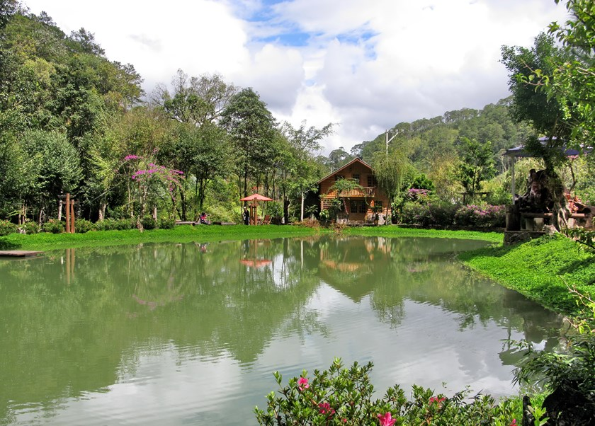 Ma Rung Lu Quan (Forest Ghost Inn) charms visitors with beautiful scenery. Photo: Thu Thuy