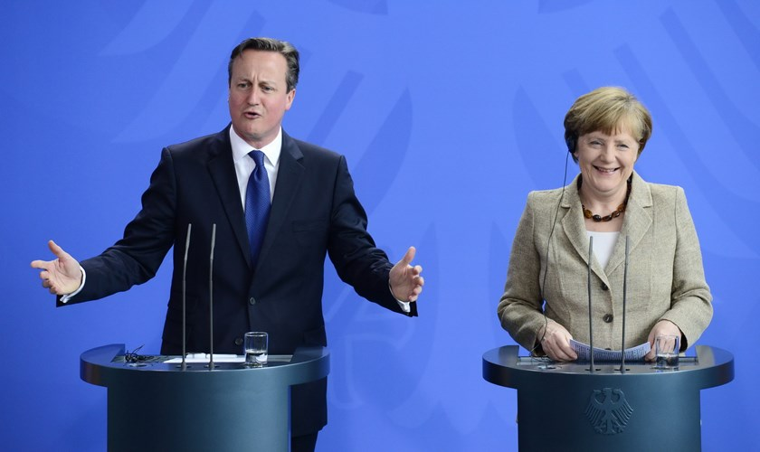 German Chancellor Angela Merkel (R) and British Prime Minister David Cameron addresses a press conference after a meeting on May 29, 2015, in front of the Chancellery in Berlin, Germany. Photo: AFP/ John Macdougall