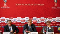 (R to L) Head of the organizing committee for the 2018 World Cup Alexei Sorokin, FIFA Secretary General Jerome Valcke and Russian Sports Minister Vitaly Mutko attend a news conference in the southern city of Samara, Russia, June 10, 2015. Photo: Reuters/M
