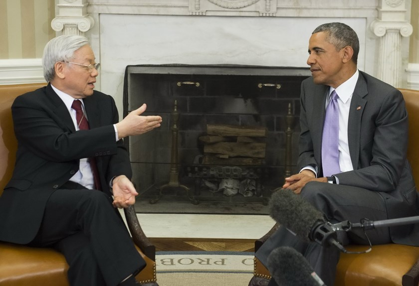 US President Barack Obama and Vietnamese General Secretary Nguyen Phu Trong meet in the Oval Office of the White House in Washington, DC, July 7, 2015. Photo: AFP/Saul Loeb