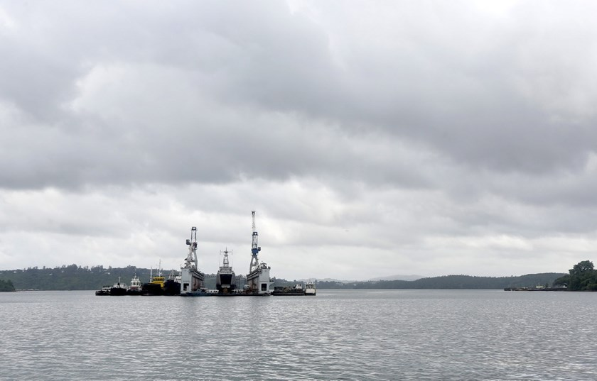 A floating dock of the Indian navy is pictured at the naval base at Port Blair in Andaman and Nicobar Islands, India, July 1, 2015. Photo: Reuters/Sanjeev Miglani