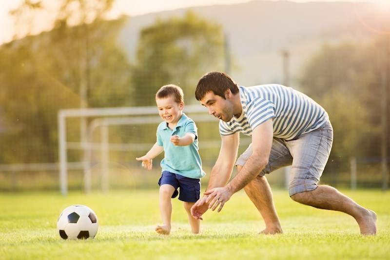 Becoming a father before the age of 25 is linked to a higher chance of dying in middle age, a new study shows. Photo credit: Halfpoint | Shutterstock.com