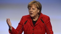 Merkel warns of Balkans fighting amid migrant influx