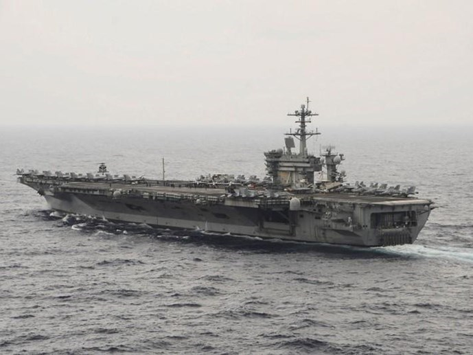 This US Navy photo obtained November 4, 2015 shows the aircraft carrier USS Theodore Roosevelt (CVN 71)as it transits the South China Sea on October 29,2015. Photo: Reuters/US Navy
