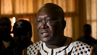 Presidential candidate Roch Marc Kabore speaks to journalists after his last campaign rally in Ouagadougou, Burkina Faso, in this November 27, 2015 file photograph. Photo: Reuters/Joe Penney