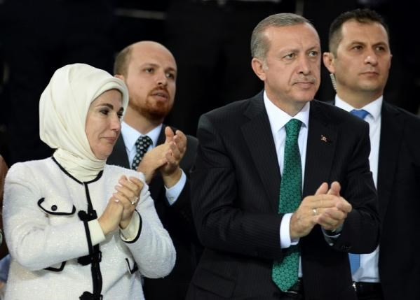 Turkish president-elect Tayyip Erdogan (2nd R), his wife Emine Erdogan and his son Bilal Erdogan (2nd L) applaud during the Extraordinary Congress of the ruling AK Party (AKP) in Ankara August 27, 2014. Photo: Reuters/Selahattin Sonmez/Pool