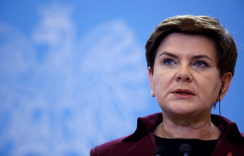 Polish Prime Minister Beata Szydlo speaks during a joint news conference with her Britain's counterpart David Cameron in Warsaw, Poland December 10, 2015. Photo: Reuters/Kacper Pempel