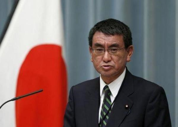 Japan's new head of the National Public Safety Commission and Minister for Administrative reform Taro Kono attends a news conference at Prime Minister Abe's official residence in Tokyo October 7, 2015. Photo: Reuters/Issei Kato